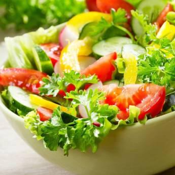 Négysajt saláta