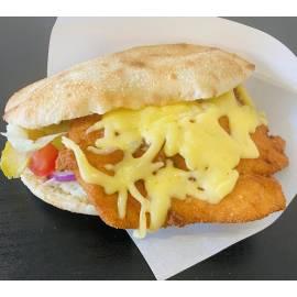 Rántott csirkés olasz szendvics